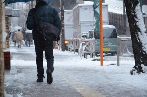 大雨・台風・大雪で学校が休みになる基準とは?