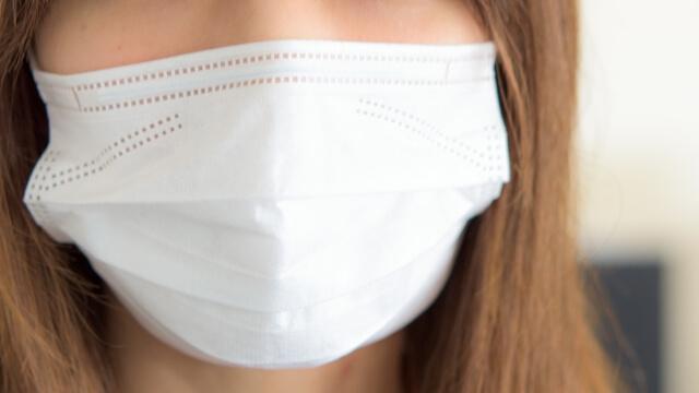 マスクの素材の違いで飛沫の漏れ方が変わる!?