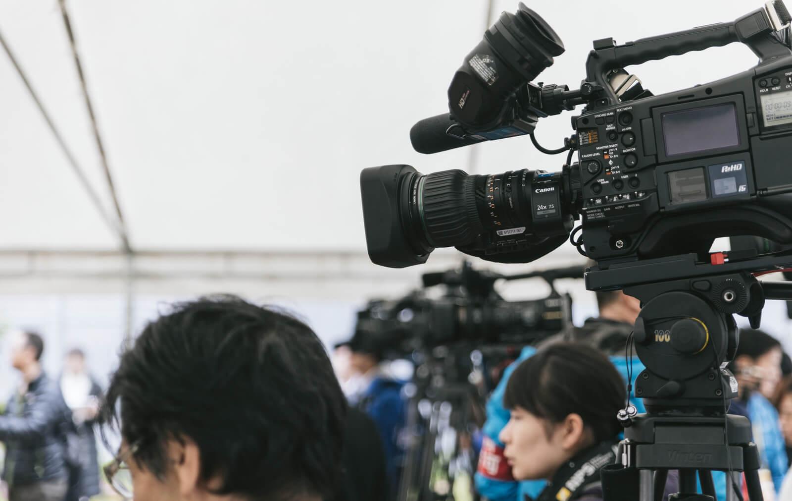 日大アメフト部会見:日大広報部の司会進行が信じられない言葉を連発!