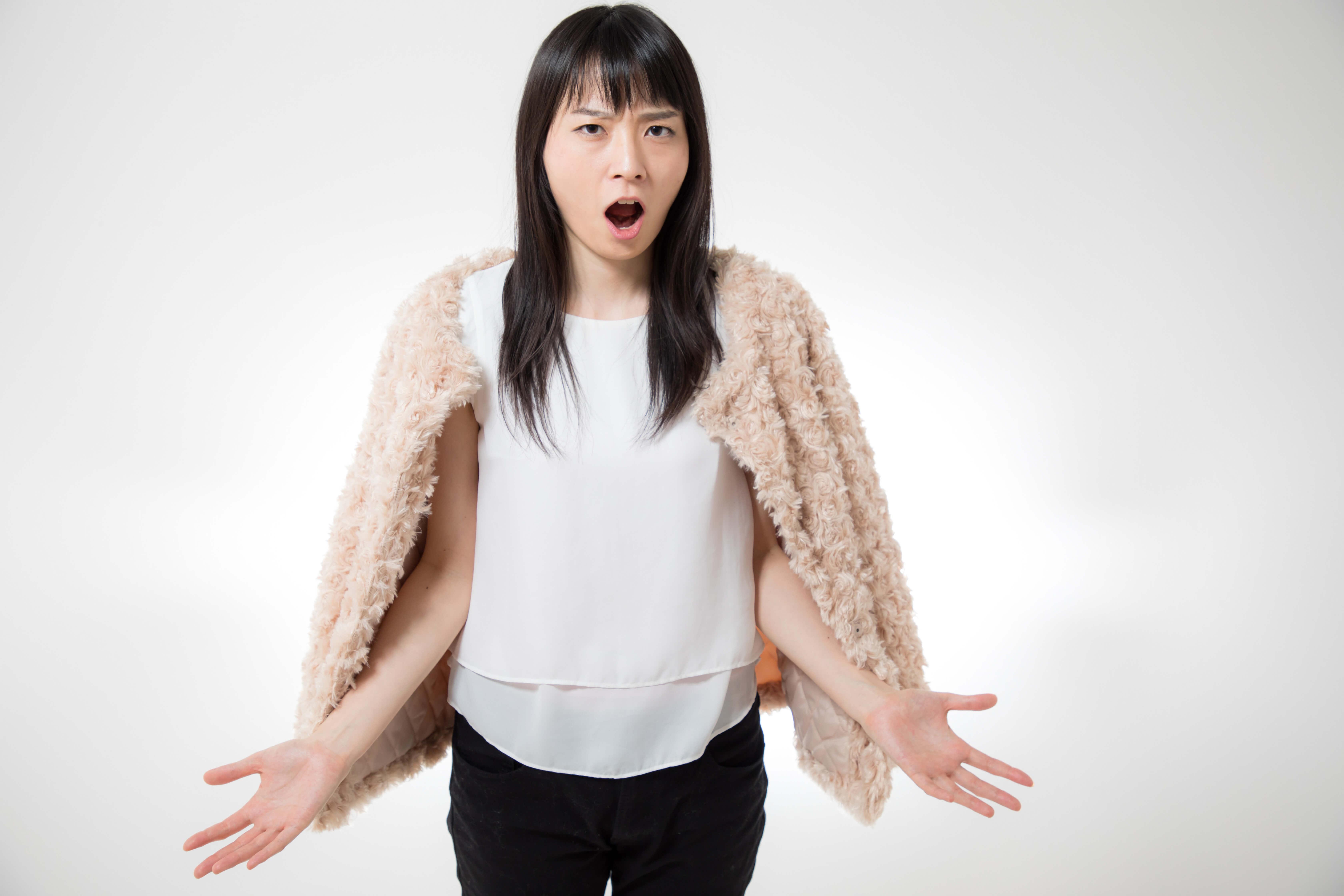 話題の「水かけ姫」チョヒョンミン氏とは?パワハラで揺れる韓国