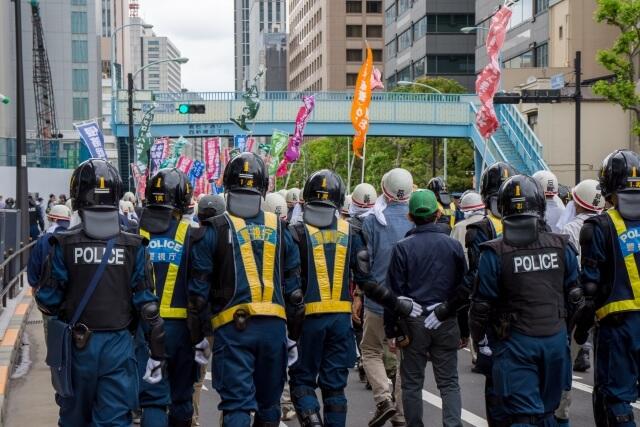 徴用工像の設置で市民団体と警察がぶつかる:韓国