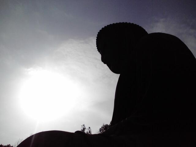 【池袋大仏】東京豊島区にヒノキ作りの4m超の空中浮遊大仏誕生!