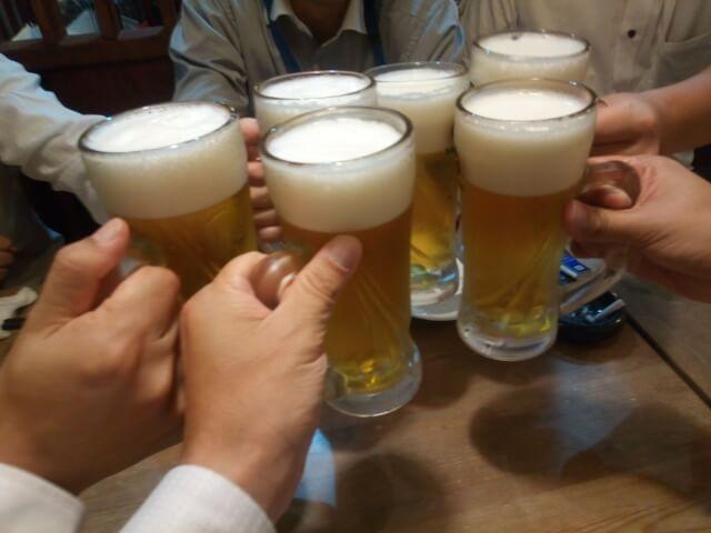忘年会シーズン:酒は飲めば飲むほど強くなりません!慣れてくるだけ...
