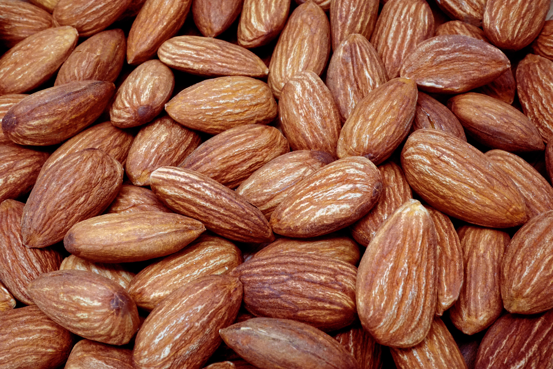 1月23日はアーモンドの日:抗酸化作用のあるアーモンドを食べて生活習慣病を防ごう!