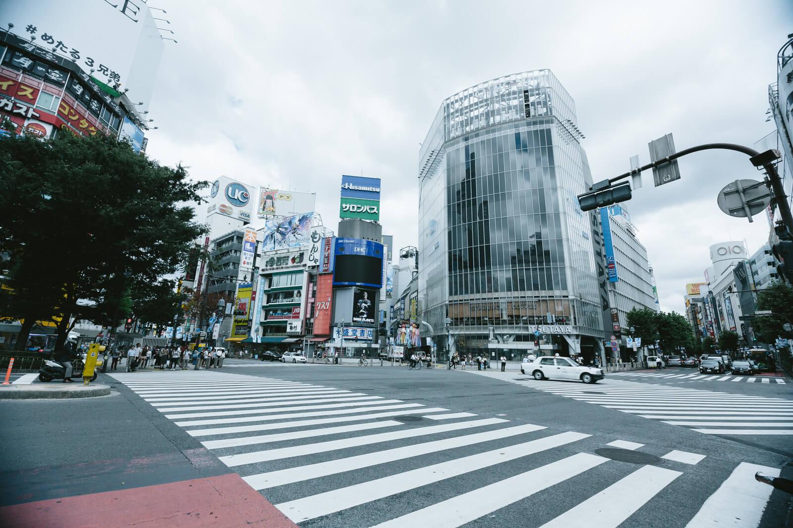 【動画あり】YouTuber渋谷のスクランブル交差点にベッドを持ち込み書類送検