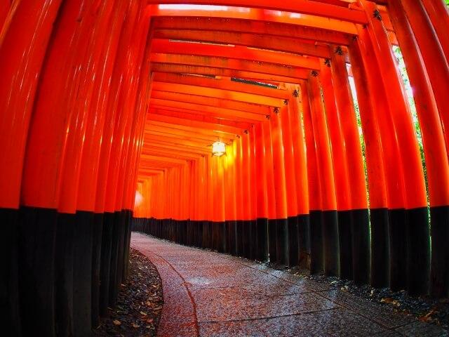全国に3万以上!稲荷神社の総本宮は京都府の「伏見稲荷大社」です!